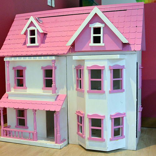 facilities-doll-house